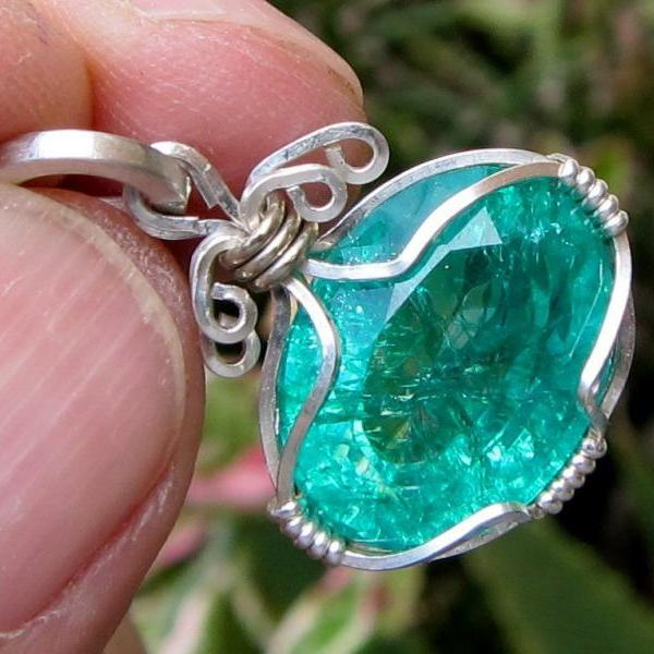 boho jewelry emerald pendant emerald necklace colombian emerald